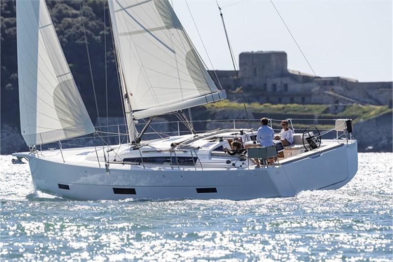 Аренда яхты Dufour 430 (4cab)  /2021