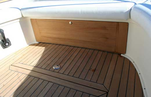 Yacht Charter Damor 700