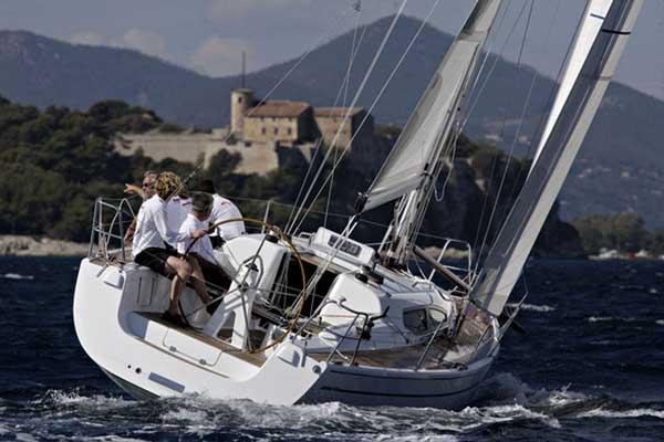 Yacht Charter Dehler 35 SV. Germany > Fehmarn / Burgtiefe > Dehler 35 SV