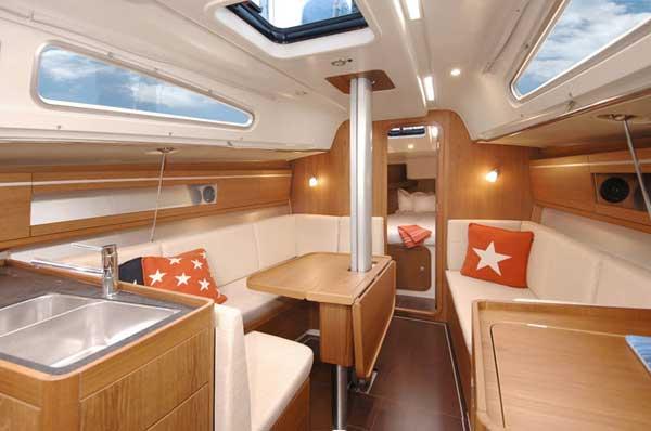 Yacht Charter Dehler 35 SV