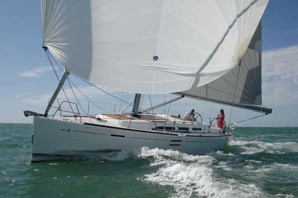 Аренда яхты Dufour 40 E (3Cab)  /2011