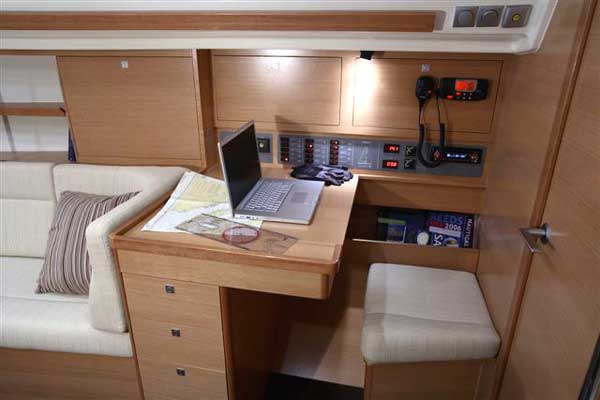 Yacht Charter Elan 340 ...