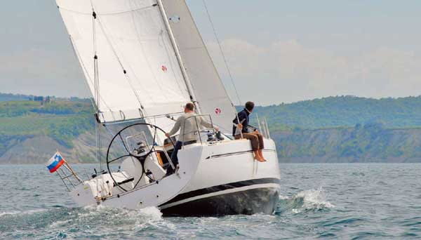 Yacht Charter Elan 410 ...