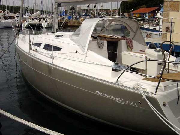 Yacht Charter Elan Impression 344 ...