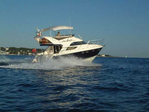 Shipyards > Fairline > Fairline Phantom 42