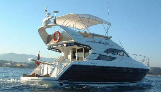 Yacht Charter Fairline Phantom 42