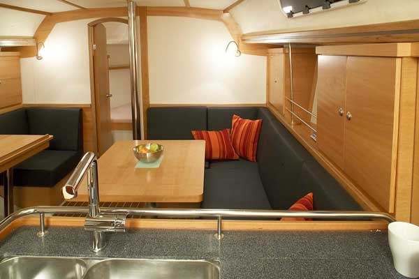 Yacht Charter Hanse 370 ...