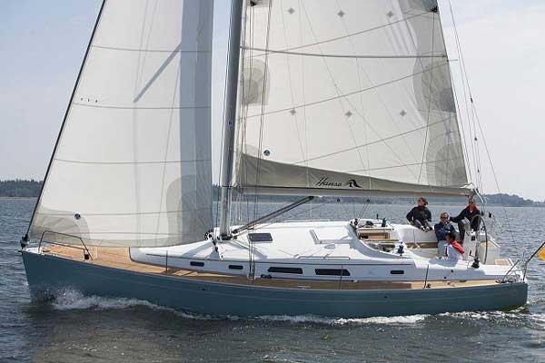 View of Hanse 400. Possible variations in details