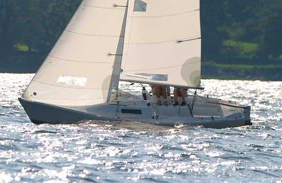 Yacht Charter J 22