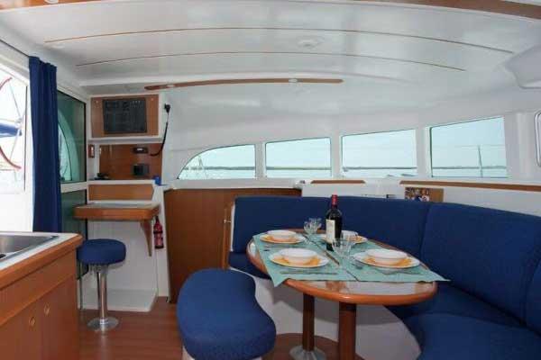 Yacht Charter Lagoon 380 ...