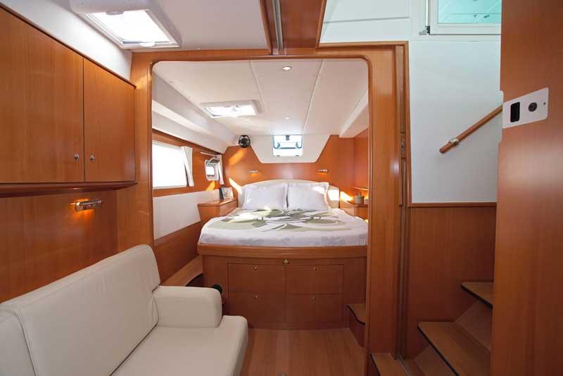 Yacht Charter Lagoon 500 (5Cab)