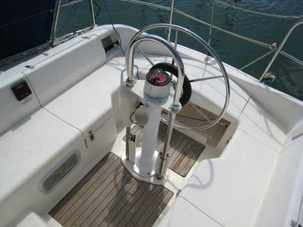 Yacht Charter Moody 336 ...