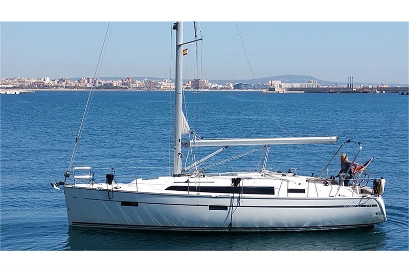 Bavaria Cruiser 37 Black Pearl