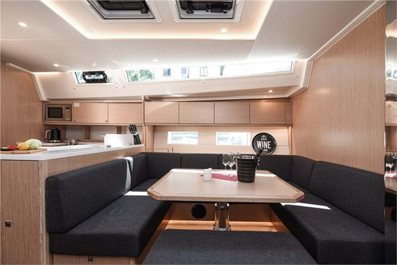 Bavaria C50 Style