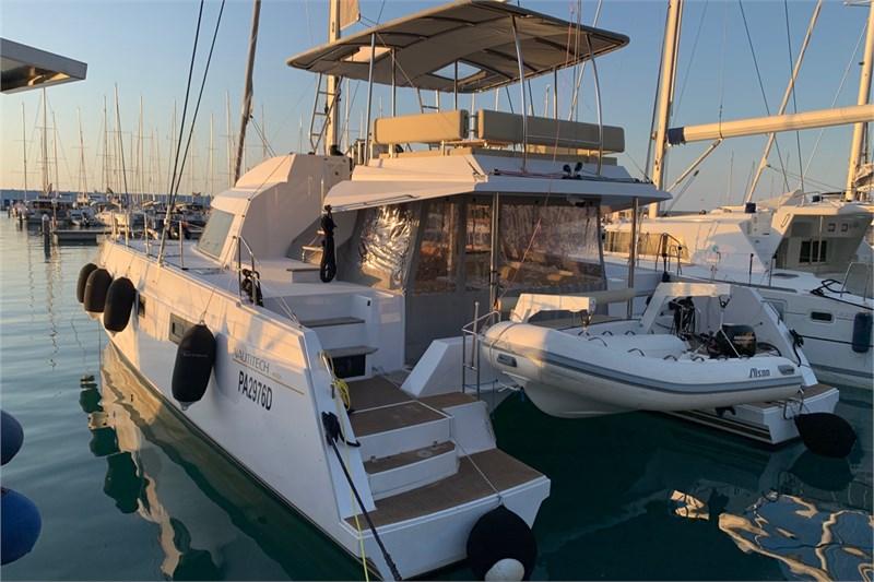https://media.yachtbooker.com/images/800x533/custom/39878/IMG_2550_pic25.jpg