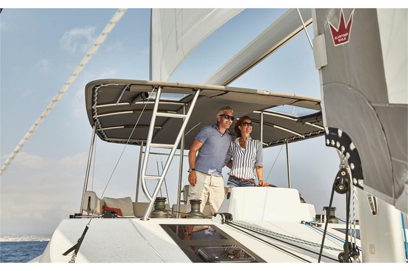 https://media.yachtbooker.com/images/800x533/custom/39878/Nautitech_2460_pic19.jpg