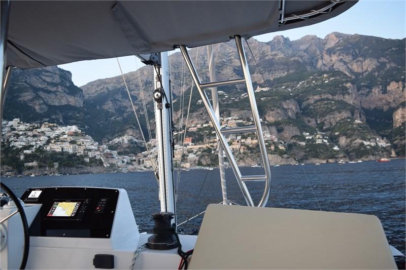 https://media.yachtbooker.com/images/800x533/custom/39878/Plotter_2_pic20.jpg