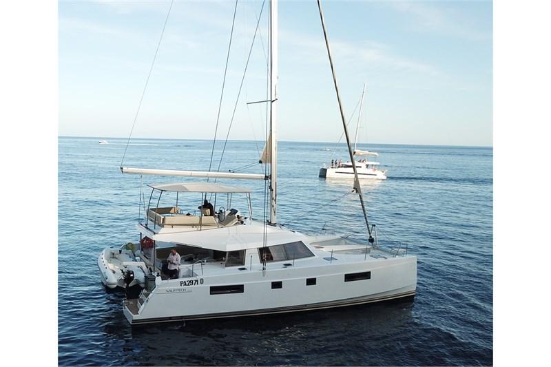 https://media.yachtbooker.com/images/800x533/custom/39878/overview_2_pic5.jpg