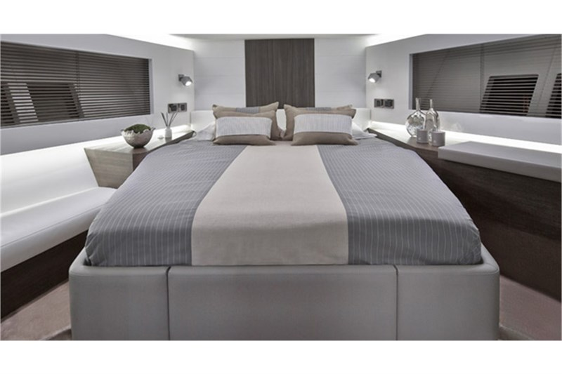 Yachtcharter pearl 65 39 pearl 65 39 ab mallorca puerto portals for Bed master