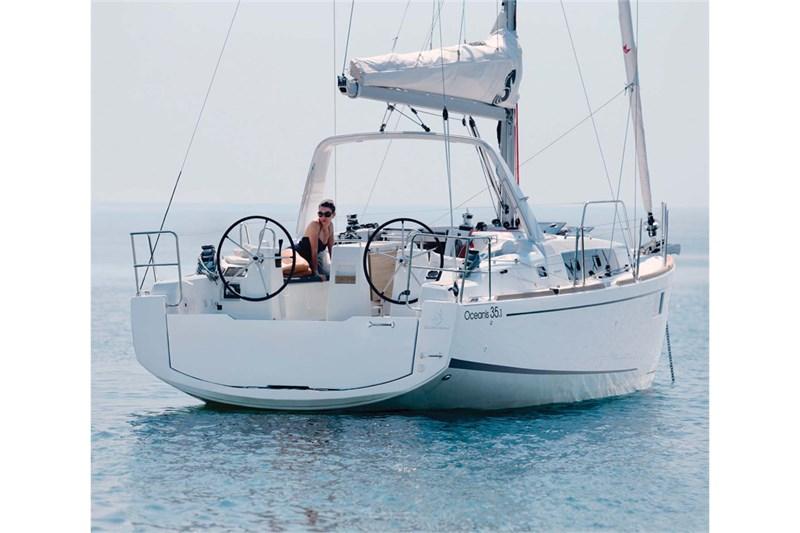 Yacht Charter Oceanis 35 1 Sicily    Portorosa