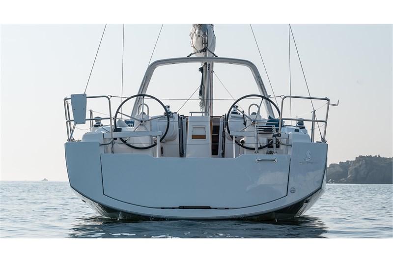 Oceanis 38.1 (3Cab)